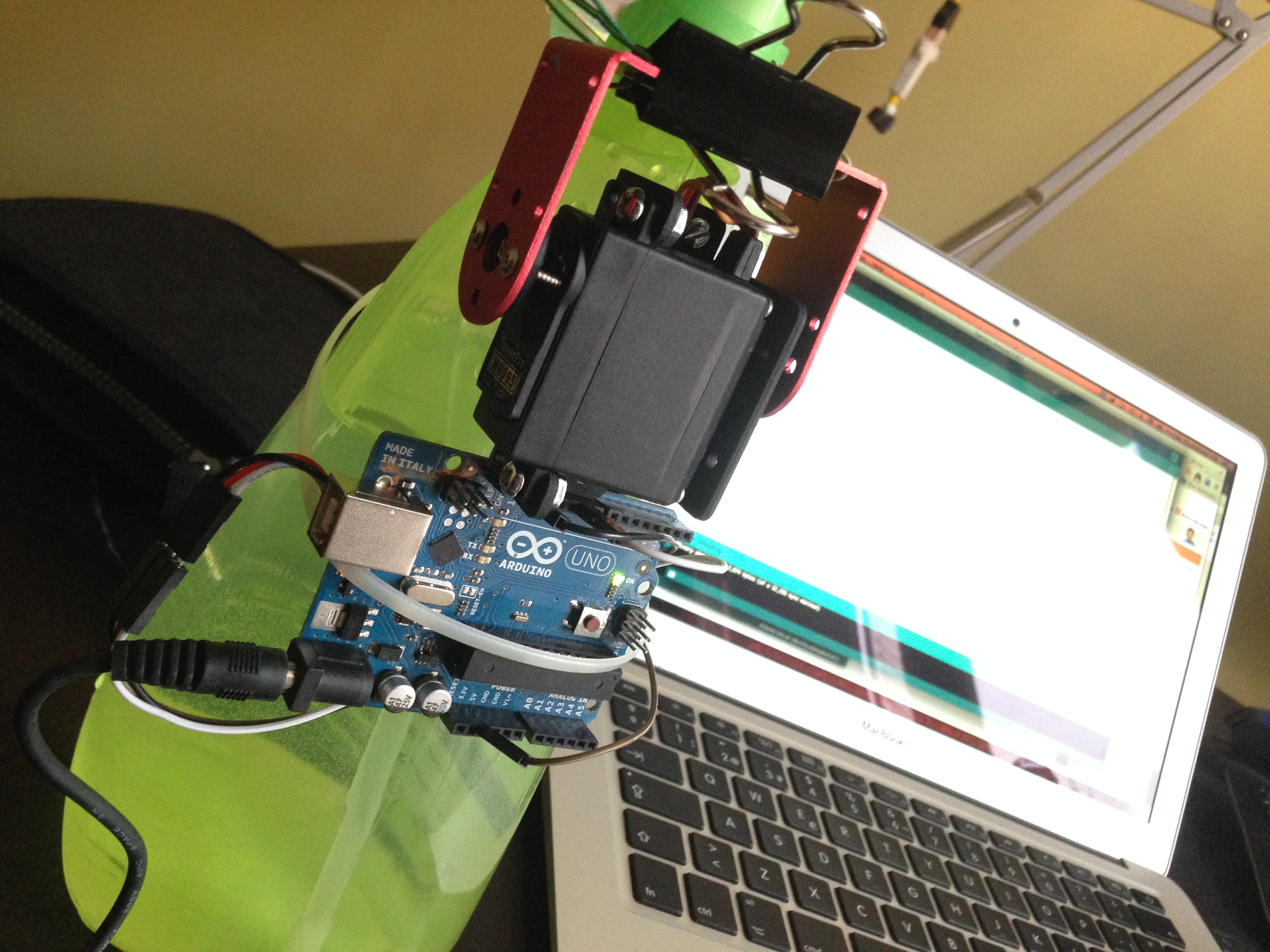 Tutorial: Servo Auto Spray – Arduino Arts